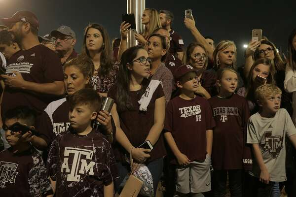 Texas A&M Aggies fans wait for their team before the start of the Advocare V100 Texas Bowl at NRG Stadium on  Wednesday, Dec. 28, 2016, in Houston. ( Elizabeth Conley / Houston Chronicle )