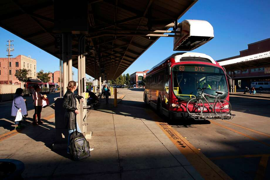 A Proterra San Joaquin Regional Transit District bus in Stockton in December. Photo: Michael Macor, The Chronicle