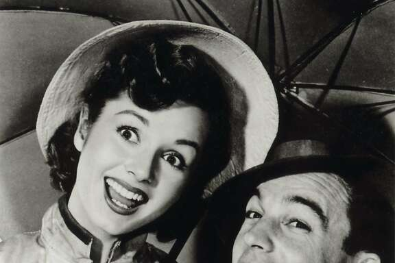 "REYNOLDS10_PH2.JPG  Actress Debbie Reynolds and Gene Kelly in ""Singing In The Rain""  handout/ handout"