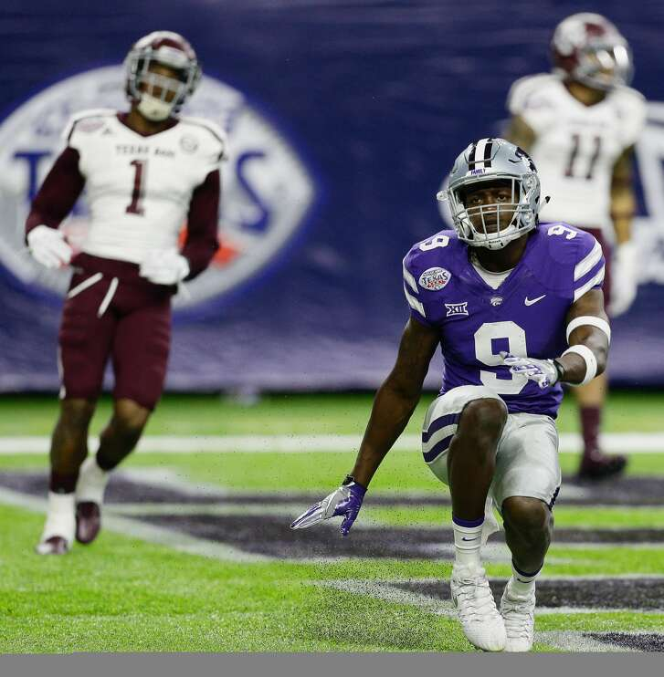 HOUSTON, TX - DECEMBER 28:  Byron Pringle #9 of the Kansas State Wildcats celebrates after a 79 yard touchdown reception against the Texas A&M Aggies in the AdvoCare V100 Texas Bowl on December 28, 2016 in Houston, Texas.  (Photo by Bob Levey/Getty Images)