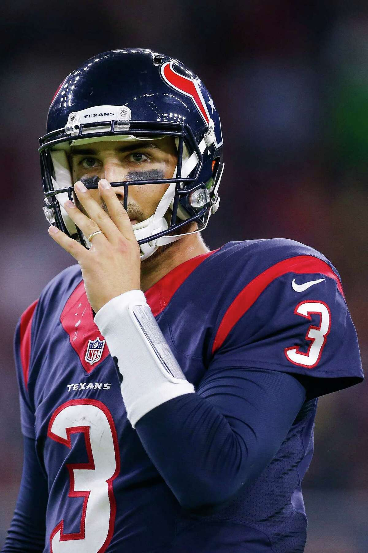 Houston Texans quarterback Tom Savage (3) looks to the sideline during the second half as the Houston Texans take on the Cincinnati Bengals at NRG Stadium Saturday, Dec. 24, 2016 in Houston. ( Michael Ciaglo / Houston Chronicle )