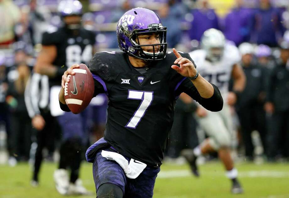 TCU quarterback Kenny Hill (7) looks to pass during the second half of an NCAA college football game against Kansas State, Saturday, Dec. 3, 2016, in Fort Worth, Texas. Kansas State won 30-6. (AP Photo/Ron Jenkins) Photo: Ron Jenkins, FRE / FR171331 AP