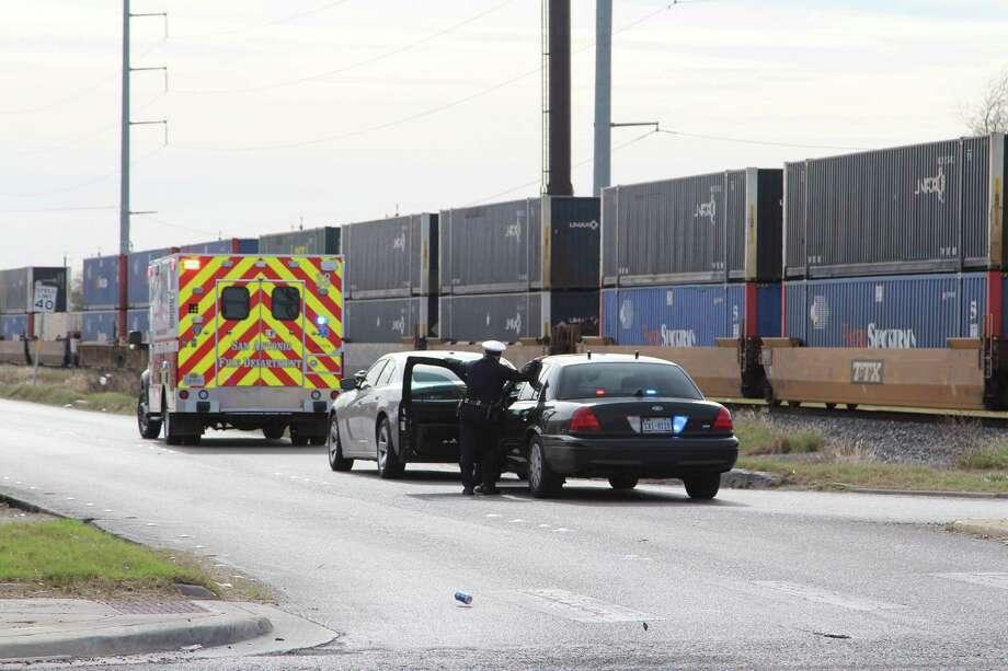 A pedestrian was killed by a train Dec. 29, 2016, near Interstate 35 and Eisenhauer Road. Photo: Tyler White, San Antonio Express-News / San Antonio Express-News