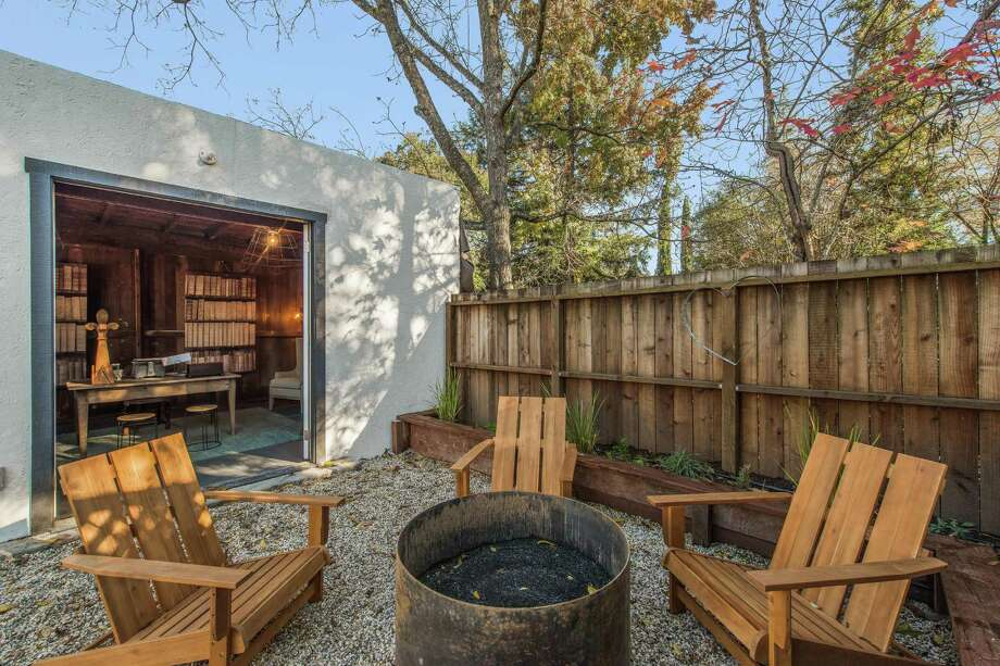 Walk In Garden Box: Walk-through: Spanish Cottage In Downtown Healdsburg