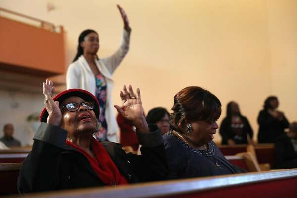 Oakland's black churches struggle as African Americans leave