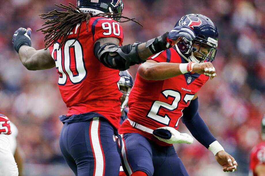 Quintin Demps, right, and Jadeveon Clowney are part of the NFL's top-ranked defense. Photo: Michael Ciaglo, Staff / © 2016  Houston Chronicle