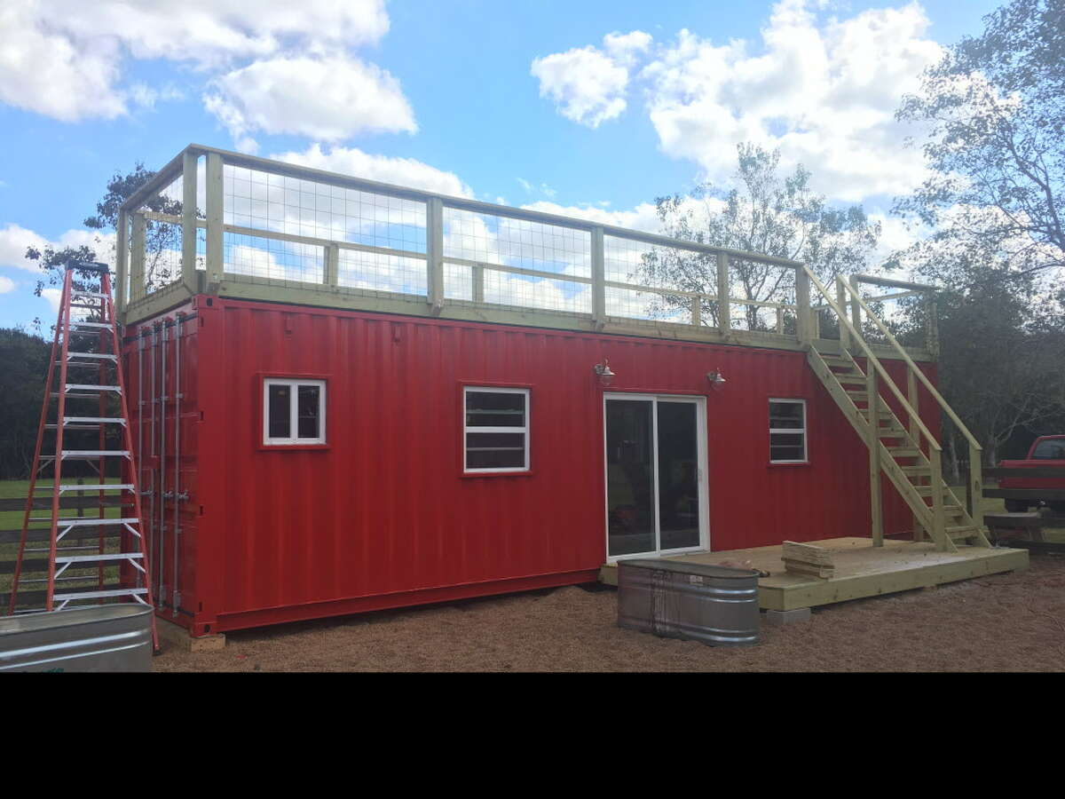 This 400-square-foot home made of a shipping container gets a rooftop deck.