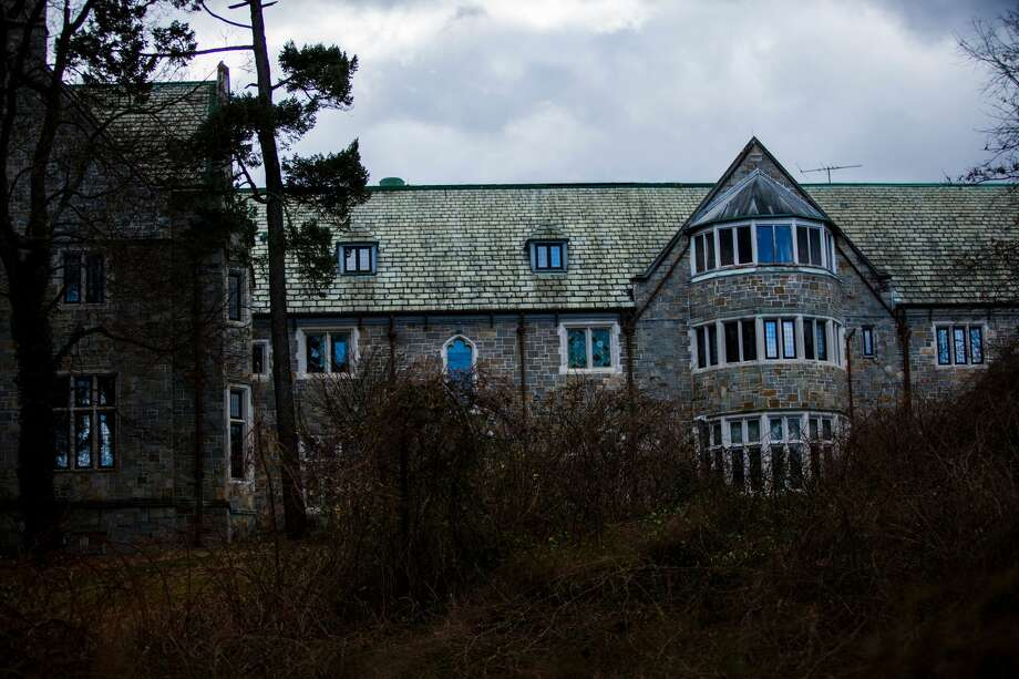 Killenworth, an estate built in 1913 for George du Pont Pratt and purchased by the former Soviet Union in 1951, is seen in Glen Cove, New York, on December 30, 2016. Killenworth will be closed to Russian officials as part of the sanctions ordered by US President Barack Obama in retaliation for suspected Russian hacking during the US elections.  Photo: EDUARDO MUNOZ ALVAREZ/AFP/Getty Images