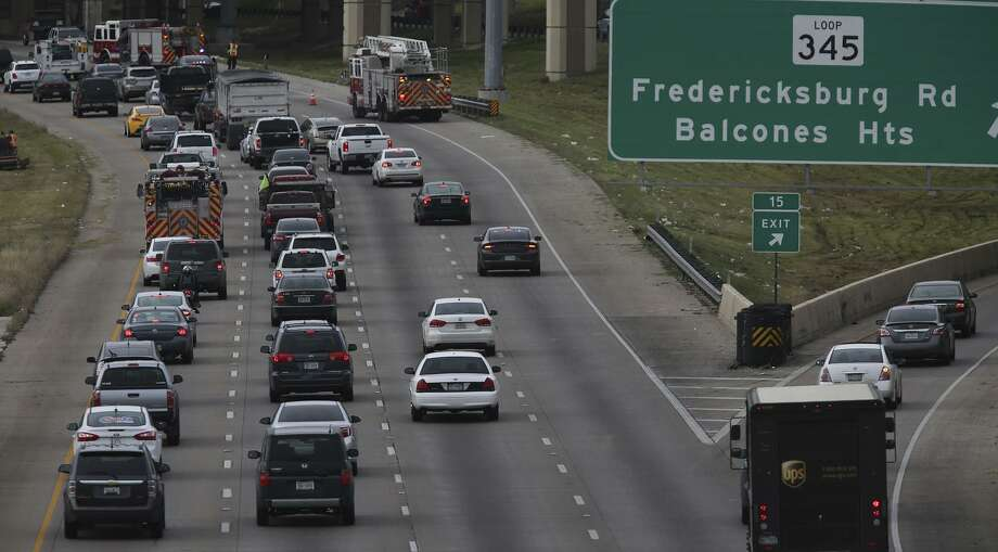 In this January file photo, traffic backs up on Loop 410. As a part of TxDOT's congestion relief initiative, San Antonio has received funding to relieve congestion on Loop 410 and other problem areas. Photo: John Davenport /San Antonio Express-News / ©San Antonio Express-News/John Davenport