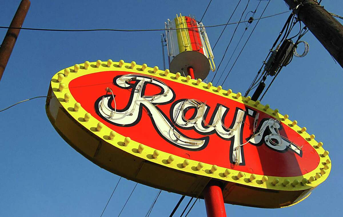 Answer: Ray's Drive Inn 822 S.W. 19th St.
