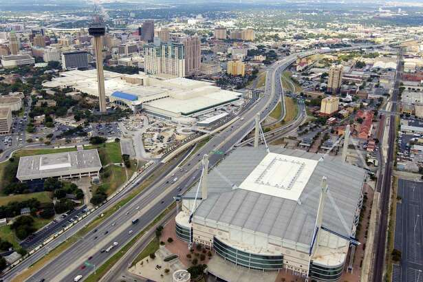The Valero Alamo Bowl is in talks to contribute $6 million toward improvements at the Alamodome, seen here in a 2015 aerial photo. The move follows the nonprofit's decision to fund more scholarships.