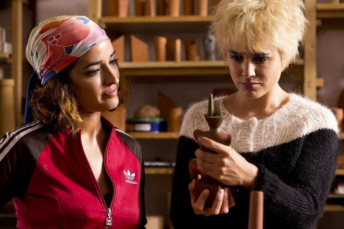 """Inma Cuesta as Ava (left) and Adriana Ugarte as Earlier Julieta (right) in a scene from the movie """"Julieta"""" directed by Pedro Almodovar. (Manolo Pavon/Sony Pictures Classics/TNS)"""