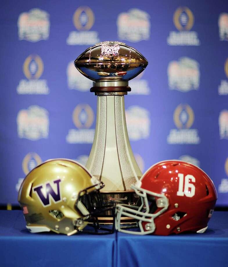 NCAA FOOTBALL: Alabama dynasty vs. playoff outsider ...