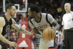 Houston Rockets guard Patrick Beverley (2) looks to drive the ball  on Friday, Dec. 30, 2016, in Houston. ( Elizabeth Conley / Houston Chronicle )
