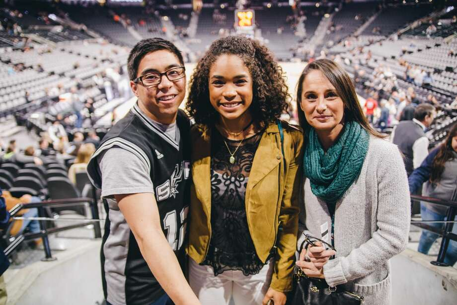 Basketball fans hit the AT&T Center for the last San Antonio Spurs game of the year on Friday, Dec. 30, 2016. The home team outshined the Portland Trail Blazers, 110-94.  Photo: Christian Ibarra For MySA