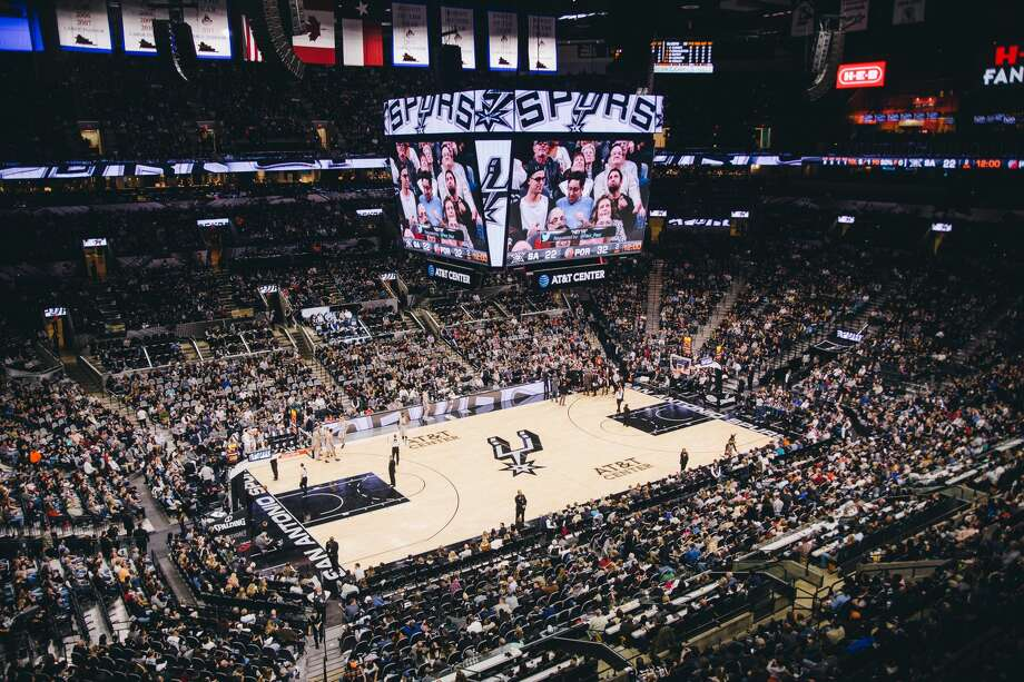 Basketball fans pack the AT&T Center for a San Antonio Spurs game during the 2016-17 season. Keep clicking to see how much it'll cost to buy a ticket to the team's first playoff game Saturday night. Photo: Christian Ibarra For MySA