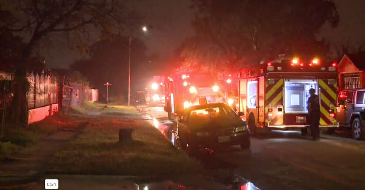 Authorities are investigating a house fire that damaged one room of a Harris County home.