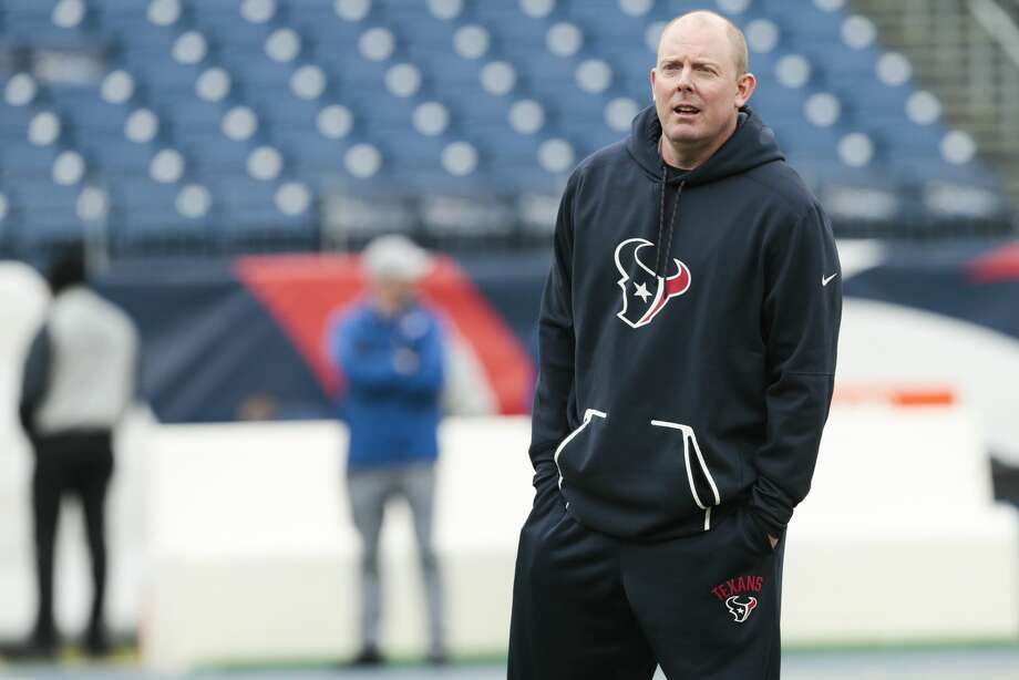 Houston Texans offensive coordinator George Godsey watches warmups before an NFL football game against the Tennessee Titans at Nissan Stadium on Sunday, Jan. 1, 2017, in Nashville. ( Brett Coomer / Houston Chronicle ) Photo: Brett Coomer/Houston Chronicle