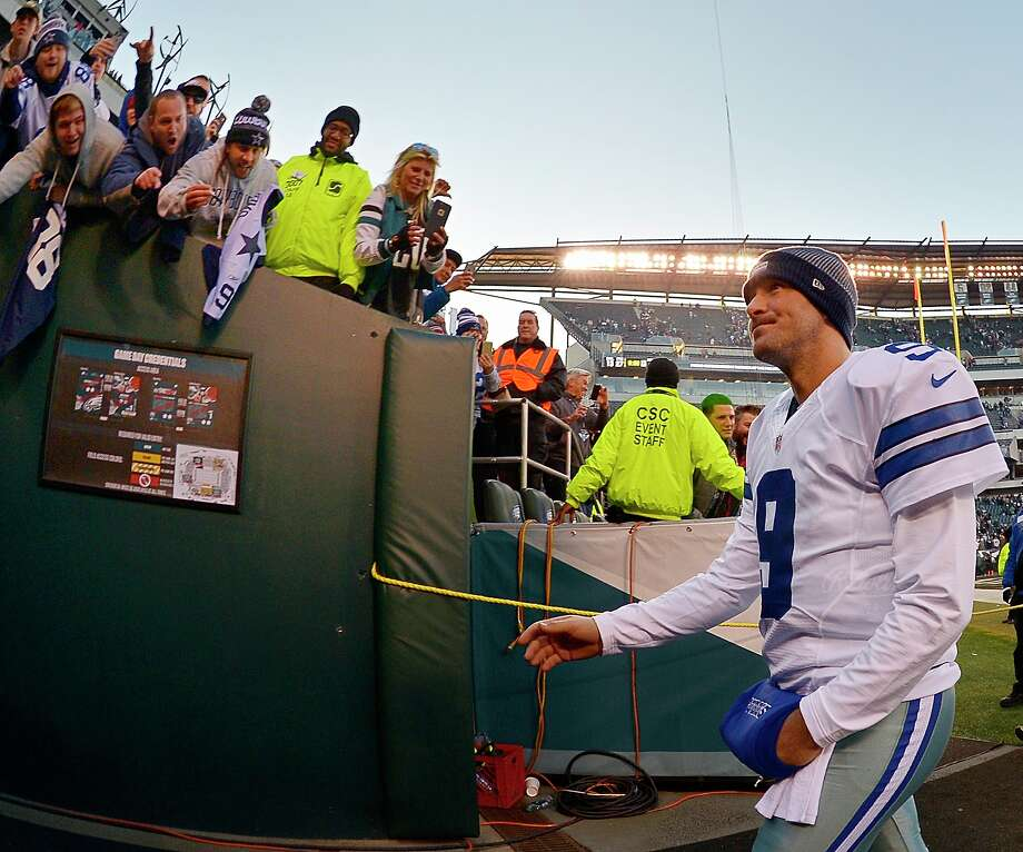 Dallas Cowboys quarterback Tony Romo (9) makes his way up the tunnel after the Philadelphia Eagles' 27-13 win at Lincoln Financial Field in Philadelphia on Sunday, Jan. 1, 2017. (Max Faulkner/Fort Worth Star-Telegram/TNS) Photo: Max Faulkner/TNS