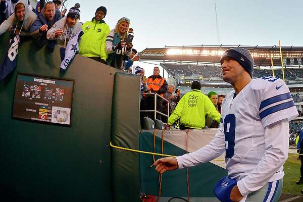Dallas Cowboys quarterback Tony Romo (9) makes his way up the tunnel after the Philadelphia Eagles' 27-13 win at Lincoln Financial Field in Philadelphia on Sunday, Jan. 1, 2017. (Max Faulkner/Fort Worth Star-Telegram/TNS)