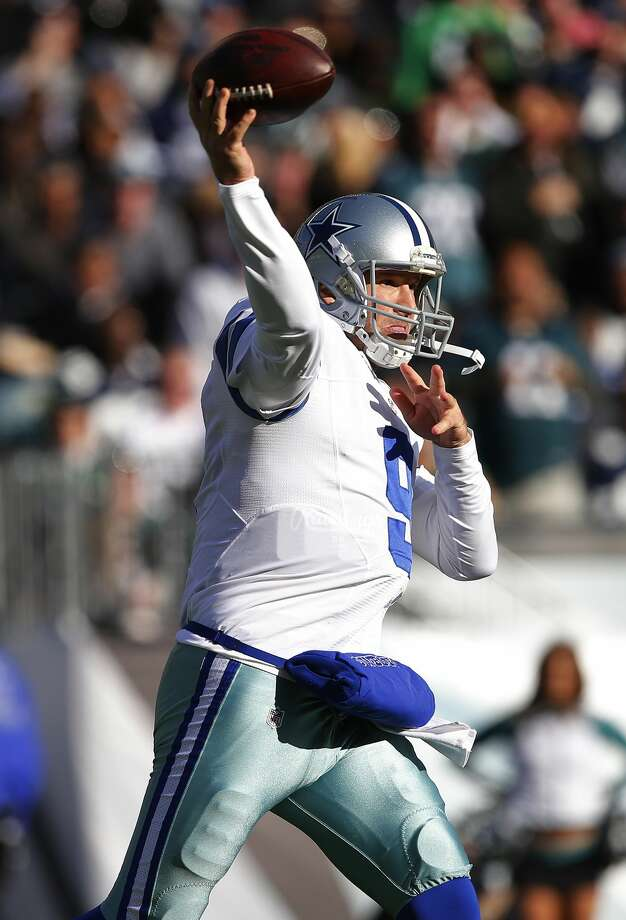 PHILADELPHIA, PA - JANUARY 01: Quarterback Tony Romo #9 of the Dallas Cowboys attempts a pass against the Philadelphia Eagles during the second quarter of a game at Lincoln Financial Field on January 1, 2017 in Philadelphia, Pennsylvania. (Photo by Rich Schultz/Getty Images) Photo: Rich Schultz/Getty Images