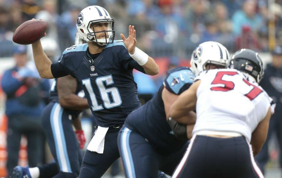 Tennessee Titans quarterback Matt Cassel (16) passes against the Houston Texans during the second quarter of an NFL football game at Nissan Stadium on Sunday, Jan. 1, 2017, in Nashville. ( Brett Coomer / Houston Chronicle ) Photo: Brett Coomer/Houston Chronicle