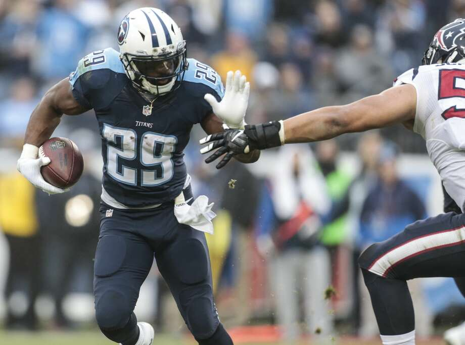 Titans auction off first 2 plays of preseason game