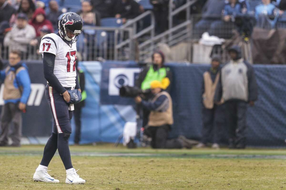 JOHN McCLAIN'S GRADES FOR TEXANS-TITANS Quarterback Brock Osweiler replaced the injured Tom Savage and threw for 253 of the team's 278 yards. He threw a touchdown pass and ran for a touchdown. He was most effective when using the no-huddle. Savage lost a fumble on a strip sack that gave the Titans their first touchdown. Grade: C-plus