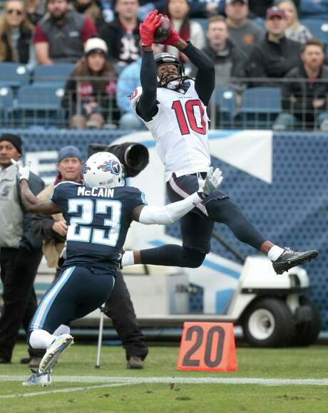 Texans wide receiver DeAndre Hopkins (10) couldn't stay inbounds with this catch, but he did produce a season-high 123 yards on seven receptions in Sunday's tuneup for the postseason. Photo: Brett Coomer, Staff / © 2017 Houston Chronicle