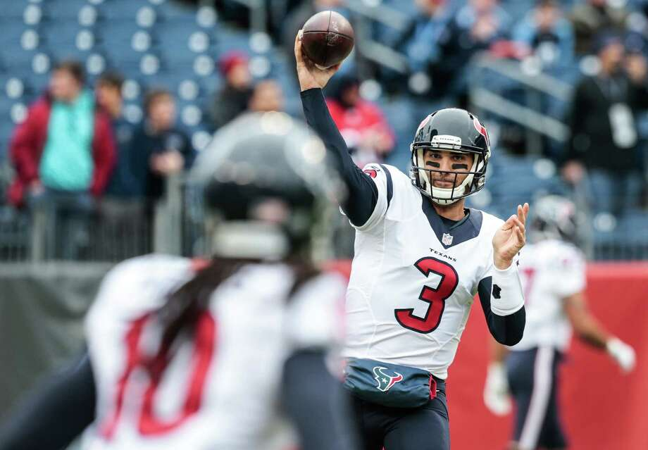 Houston Texans quarterback Tom Savage (3) throws to  wide receiver DeAndre Hopkins (10) during warmups before an NFL football game against the Tennessee Titans at Nissan Stadium on Sunday, Jan. 1, 2017, in Nashville. ( Brett Coomer / Houston Chronicle ) Photo: Brett Coomer, Staff / © 2017 Houston Chronicle