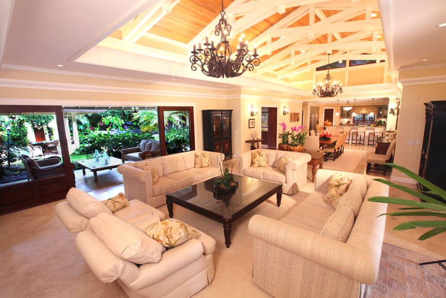Obama's Hawaiian vacation home.toptenrealestatedeals.com Photo: Paradise Point Estates