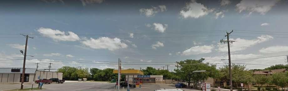 Zeta Food Mart:2368 Austin Hwy, San Antonio, TX 78218Violation(s): Does not hold zeroDate of violation(s): Sept. 14, 2016 Photo: Courtesy/Google Maps