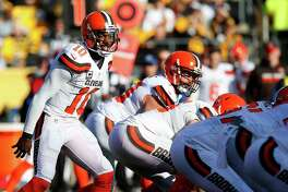 PITTSBURGH, PA - JANUARY 01:  Robert Griffin III #10 of the Cleveland Browns yells instructions while under center in the first half during the game against the Pittsburgh Steelers at Heinz Field on January 1, 2017 in Pittsburgh, Pennsylvania.