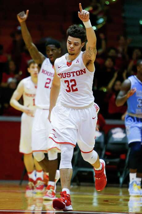 Rob Gray remains UH's top scorer but has improved other aspects of his game this season. Photo: Michael Ciaglo, Staff / © 2016  Houston Chronicle