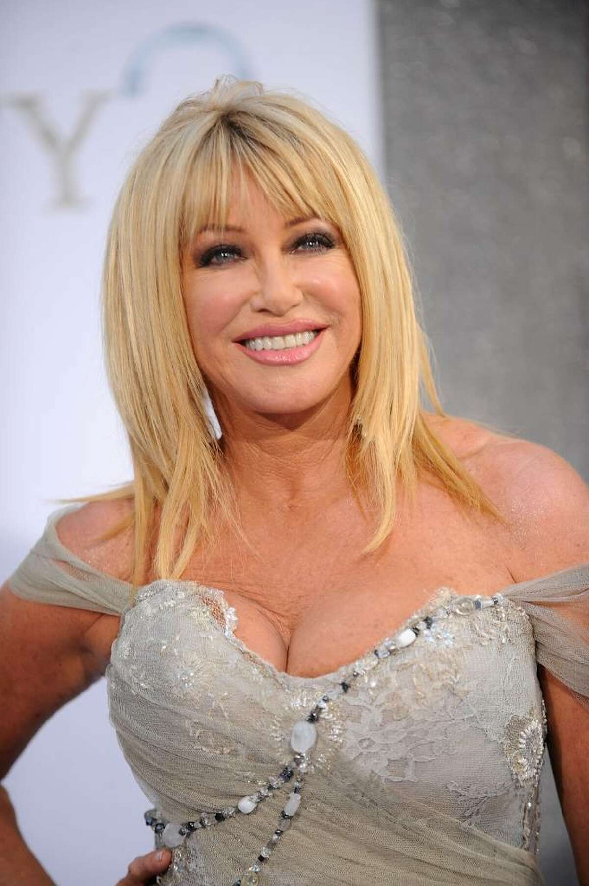Suzanne Somers helped sales by becoming the face of the Thighmaster in the 90s. The beauty of the product was that you could stay on your couch and use it. - worthly.com
