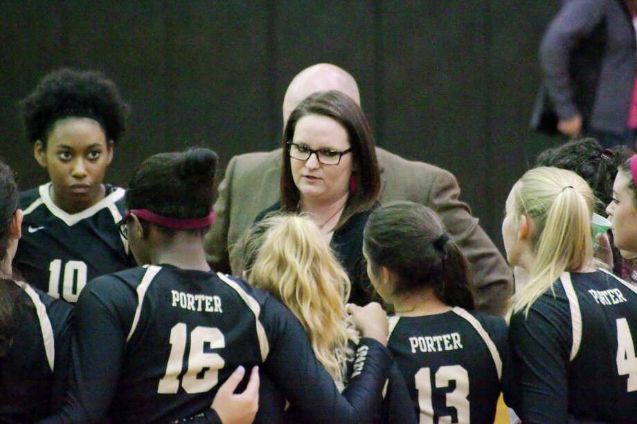 Porter volleyball coach Ashley Tiernan speaks to her team during a break against Manvel Thursday, Nov. 3 at Pasadena Memorial High School. Photo: Kirk Sides, HCN Photo / © 2016 Kirk Sides / Houston Community Newspapers