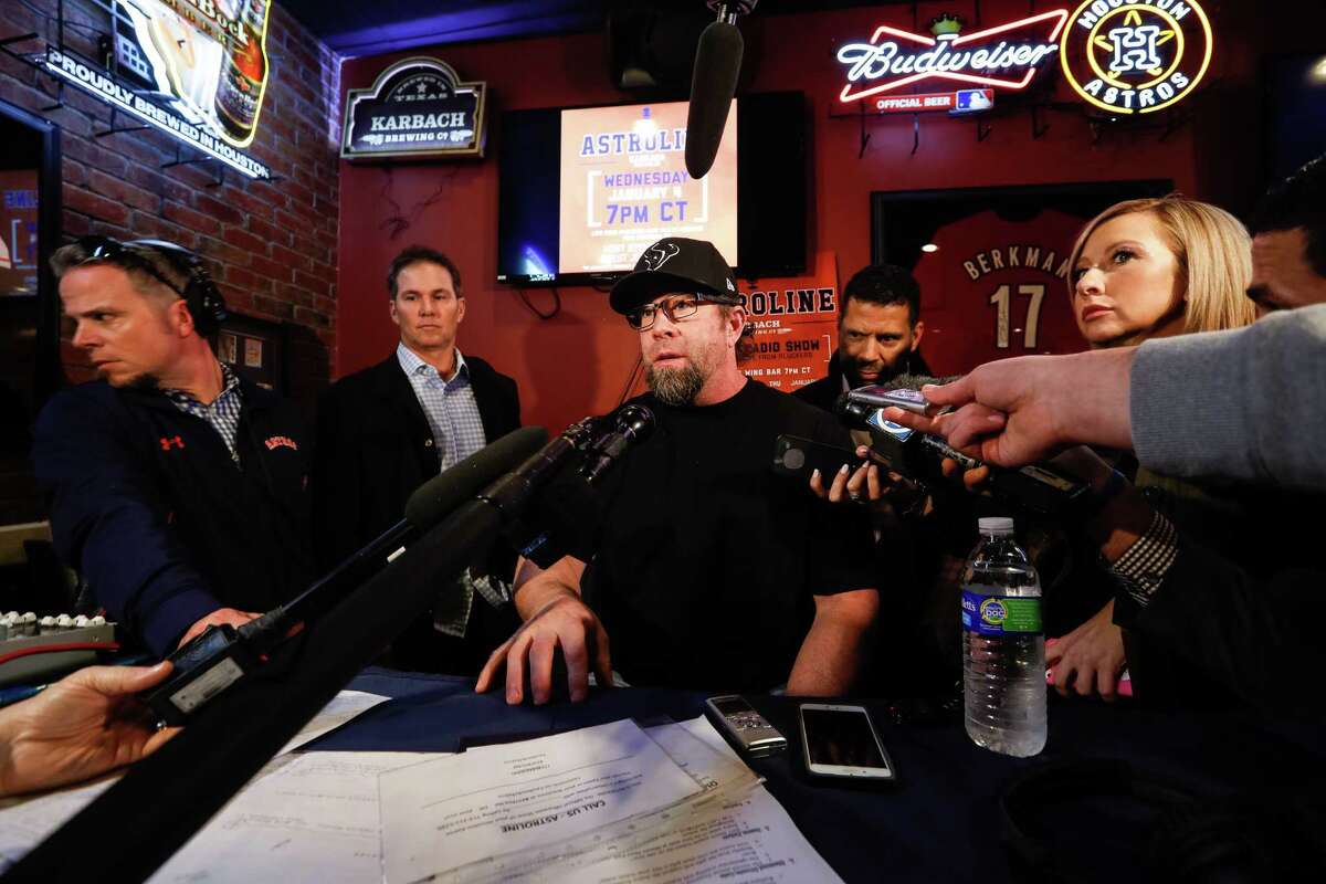 Former Houston Astros first baseman Jeff Bagwell interviewed during Astroline at Pluckers Wing Bar, Wednesday, January 4, 2017.