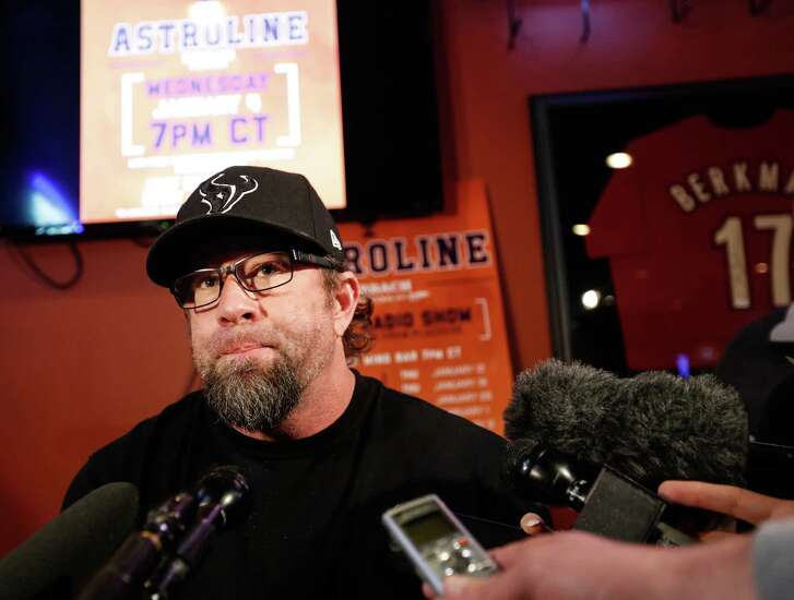 Jeff Bagwell, who appeared at Pluckers Wing Bar on Wednesday, admits to a little monitoring of the Hall vote. Final results will be announced Jan. 18.
