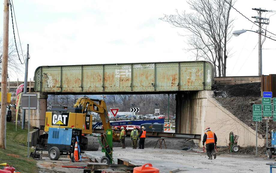 Work continues on a total replacement of the rail bridge that goes over Nott Street near Erie Blvd., seen here on Thursday, Jan. 5, 2017, in Schenectady, N.Y.  (Paul Buckowski / Times Union) Photo: PAUL BUCKOWSKI / 20039328A