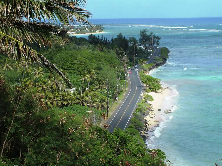 Seen south of Kaaawa, the Kamehameha Highway winds its way around the island of Oahu. Photo: McClatchy-Tribune News Service File Photo / Chicago Tribune