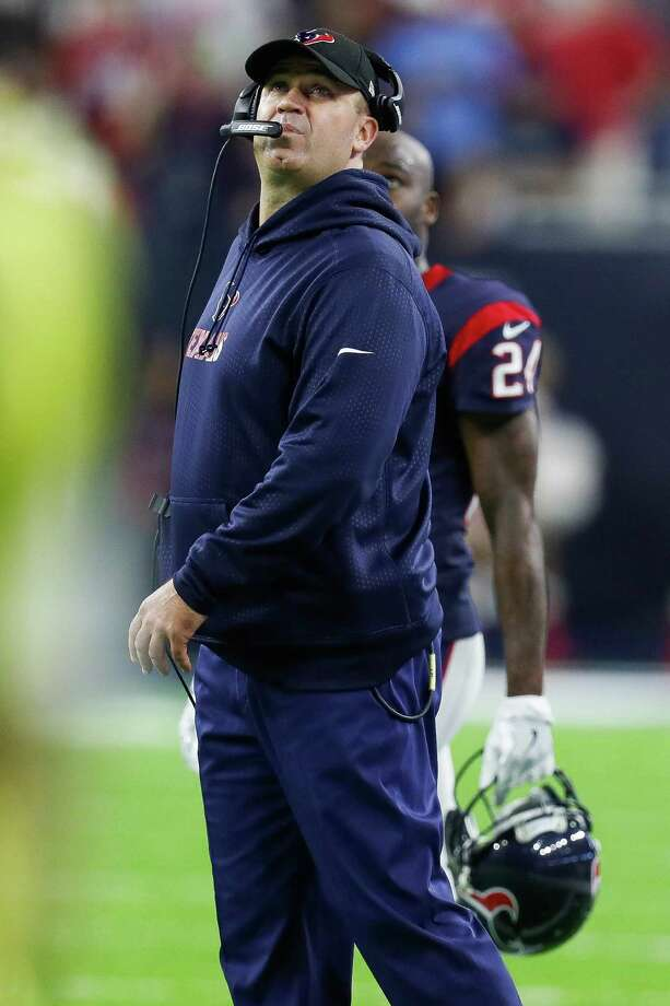 Houston Texans head coach Bill O'Brien looks at the scoreboard during the second quarter of an NFL football game at NRG Stadium, Saturday,Dec. 24, 2016 in Houston.  ( Karen Warren / Houston Chronicle ) Photo: Karen Warren, Staff Photographer / 2016 Houston Chronicle