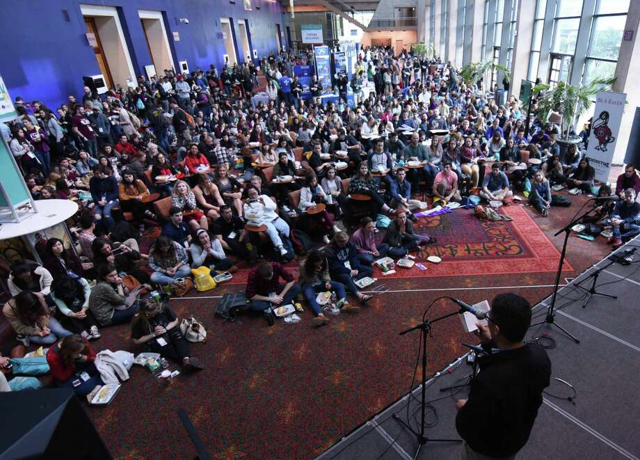 More than 12,500 Catholic college students from across the country, and from several foreign countries, are in San Antonio this week for the SEEK2017 conference, which enlists missionaries on college campuses. Photo: Courtesy Photo / Courtesy Photo