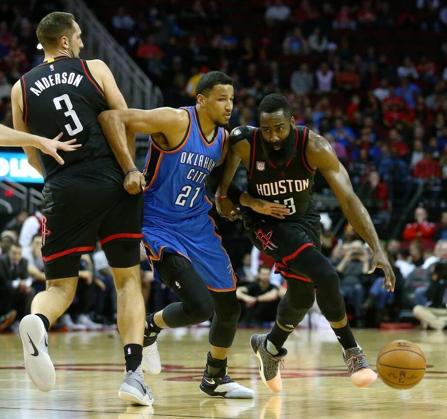 Off the courtOklahoma City Thunder player Andre Roberson recently defended himself on Twitter after receiving criticism for leaving a $14 tip at an Austin bar where he spent nearly $500.Click through to see a history of NBA super teams. Photo: Jon Shapley/Houston Chronicle