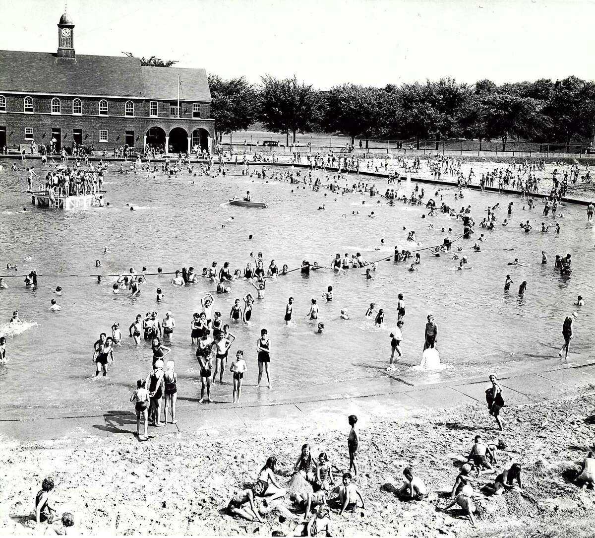 Historic Albany: Swimming at Lincoln Park, 1930s. (Times Union archive)