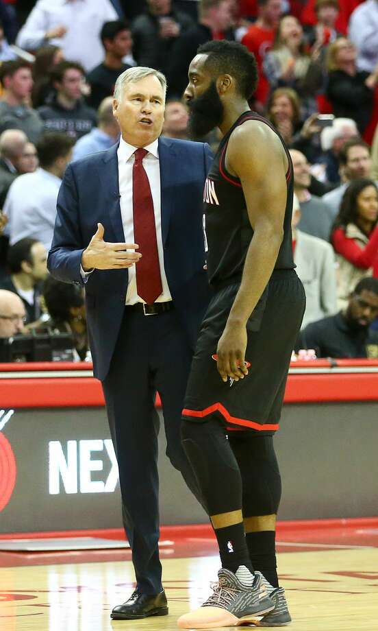 Houston Rockets head coach Mike D'Antoni talks with Houston Rockets guard James Harden (13) during the final time-out of the fourth quarter of an NBA game at the Toyota Center, Thursday, Jan. 5, 2017, in Houston. ( Jon Shapley / Houston Chronicle ) Photo: Jon Shapley/Houston Chronicle