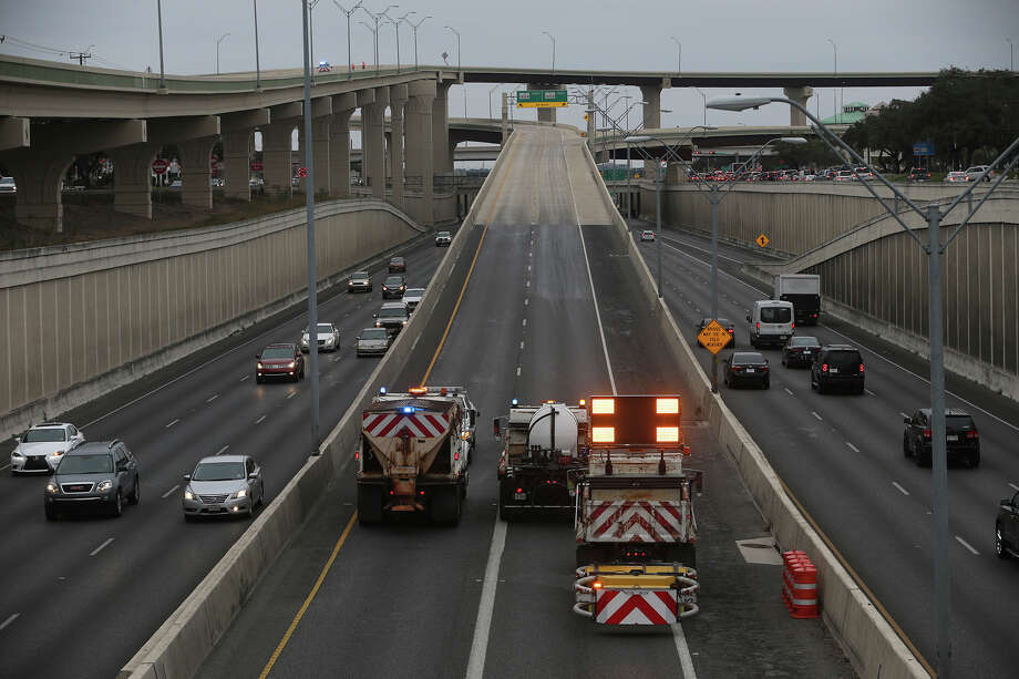 Icy conditions cause morning closures along Loop 1604 on ...
