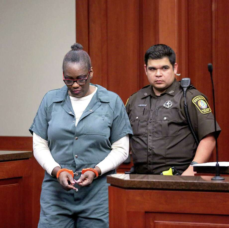 Paula Sinclair appears before Associate Judge Stuti Patel Thursday, Jan. 5, 2017, in Richmond. Authorities removed seven adopted special-needs children from Sinclair's care after they found signs of malnourishment and abuse. Photo: Jon Shapley, Houston Chronicle / © 2015  Houston Chronicle