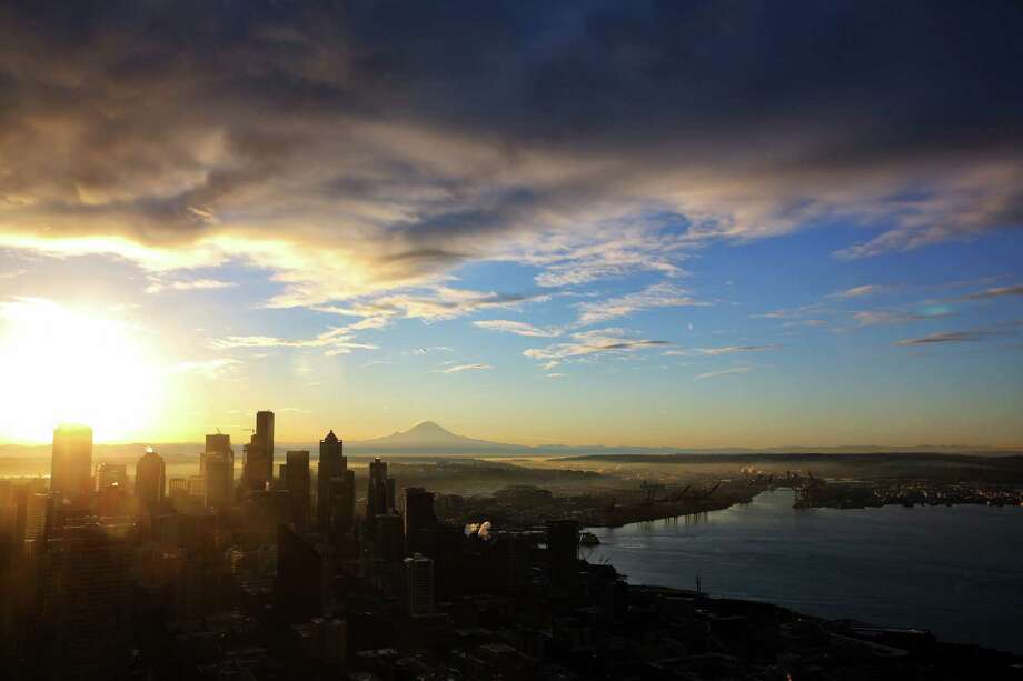 Seattle is a gorgeous place to live, but it's getting costly to live here. And trying to do it on even our hefty $15-per-hour minimum wage? Not likely to be much fun. I've broken down the numbers so you don't have to in my 2017 version of how much it costs to live here.Click through this slideshow to see the average cost of some of the things that make up the cost of living here. Prices are sourced from Expatistan.com unless otherwise noted. Photo: Genna Martin, SEATTLEPI.COM / SEATTLEPI.COM