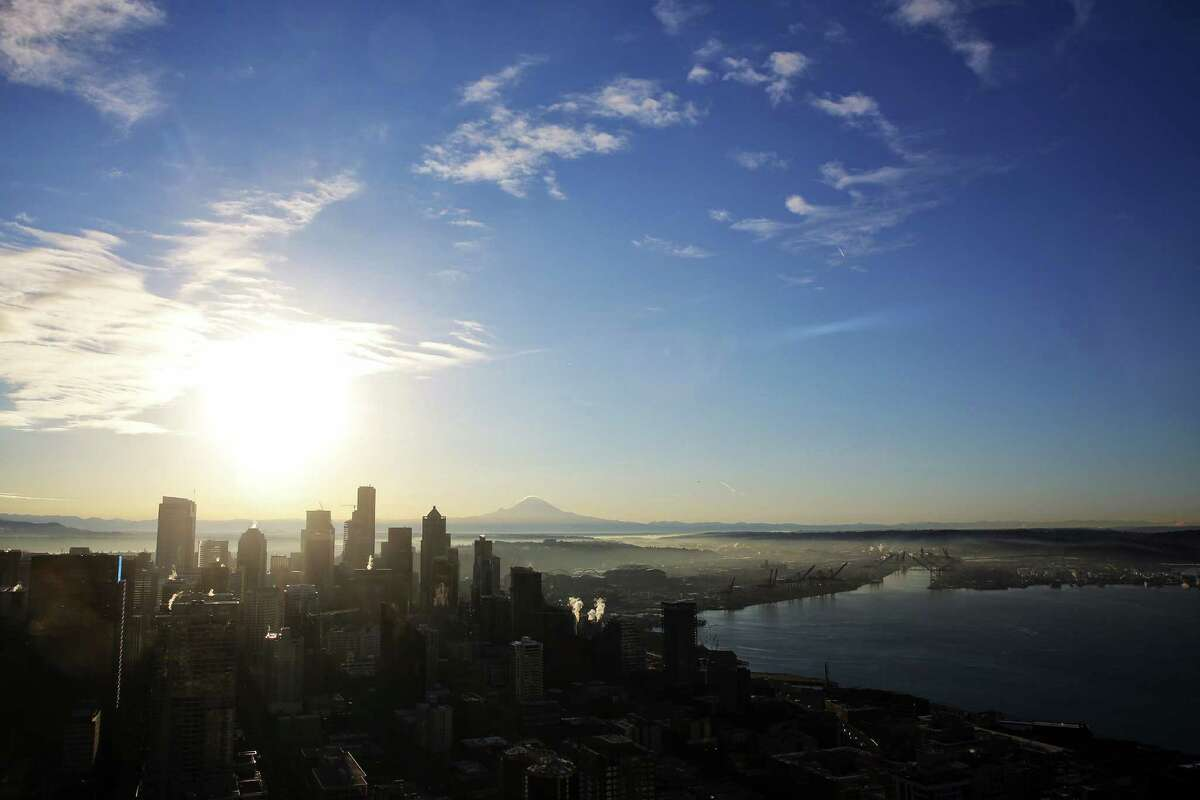 All of Seattle Median sale price of Seattle homes: $572,000 Monthly mortgage payment: $2,462 Annual salary needed: $98,381