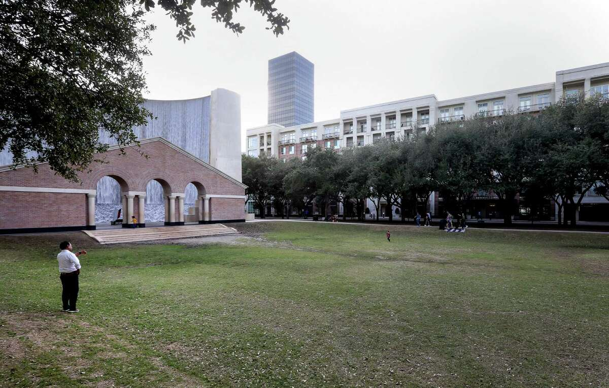 The Gerald D. Hines Waterwall Park and the Waterwall Place apartments, in the background, are seen Tuesday, Jan. 3, 2017, in Houston. ( Jon Shapley / Houston Chronicle )